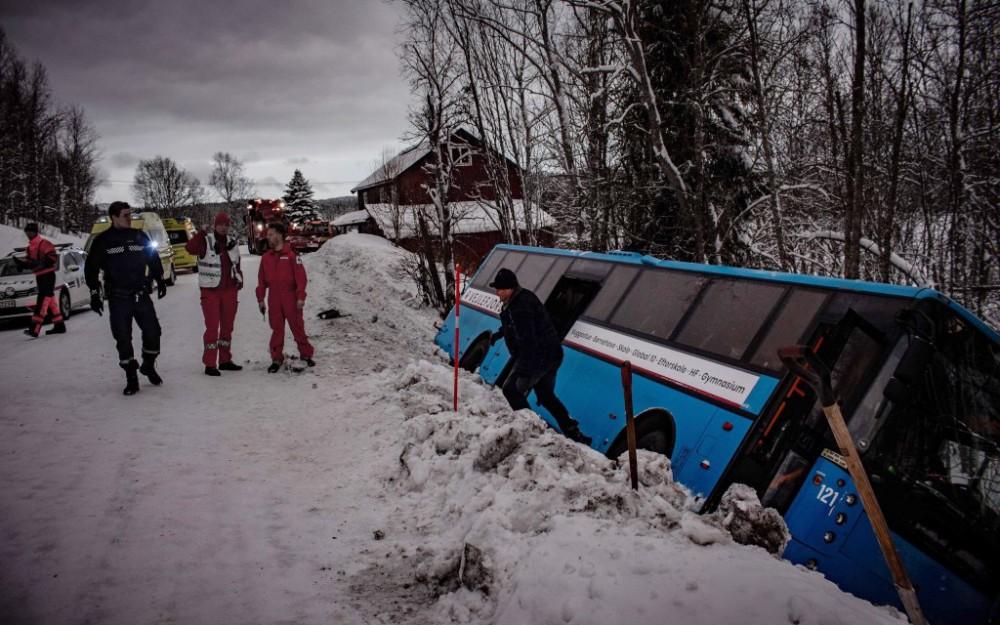 Vejlefjordbussen er kørt af vejen men alle har det godt
