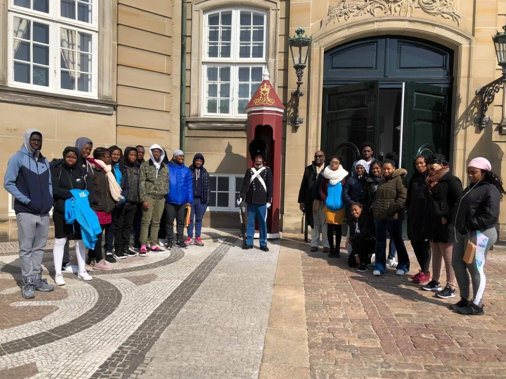 Unge amerikanere møder danske elevers virkelighed